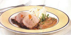 Pollo ganso en salsa de peras