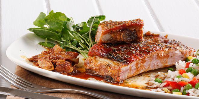 costillar de cerdo con manzanas y miel