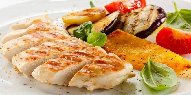 Pechugas de pollo con verduras al horno